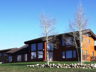 Spacious, Well-Kept Home. Great Views! Available for Crested Butte Spring Break! - Crested Butte vacation rentals