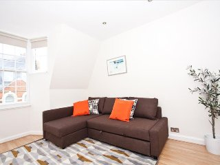 Premium 2Bed Flat - Oxford Circus: Serviced by Hostmaker - London vacation rentals