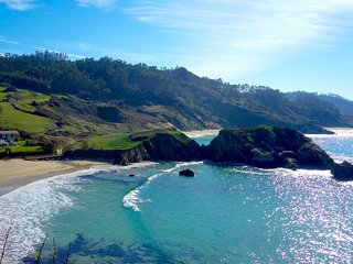 La Maison Marine, nestled in paradise...10 steps to the ocean... - Ortigueira vacation rentals