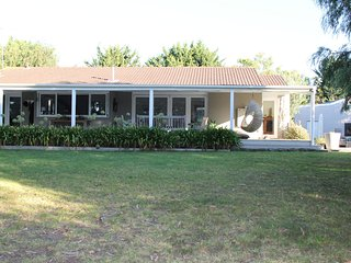 Gorgeous 5 bedroom House in Fingal with A/C - Fingal vacation rentals