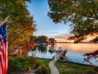 NEW! 'Landover Lodge' 4BR Mooresville Lake House - Lake Norman vacation rentals