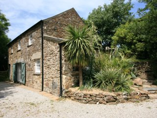 Comfortable 3 bedroom Mount Hawke Cottage with Internet Access - Mount Hawke vacation rentals