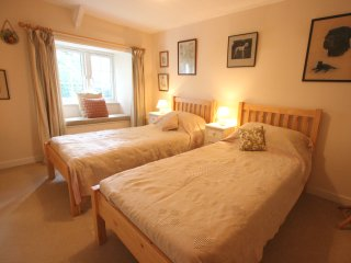 Spacious 4 bedroom Cottage in Tredethy - Tredethy vacation rentals