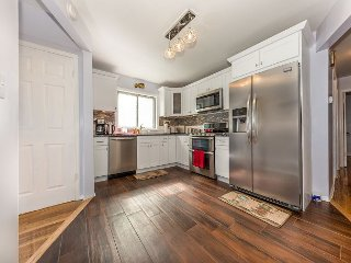 Beautiful 3bdr Home 10 Minutes away from JFK - Cambria Heights vacation rentals