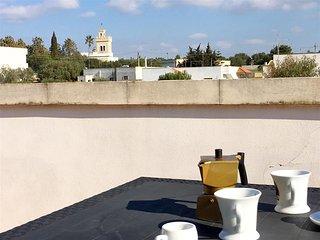 Attico Buffelli, 1 camera, 4 pax, S. Maria al Bagno - Santa Maria al Bagno vacation rentals