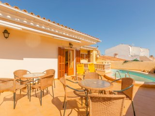 VILLA WITH PRIVATE POOL - S'illot vacation rentals