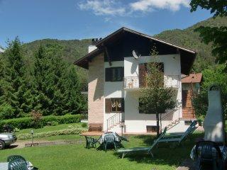 Appartamento Piva 1 a piano rialzato con balcone immerso nella natura - Ledro vacation rentals