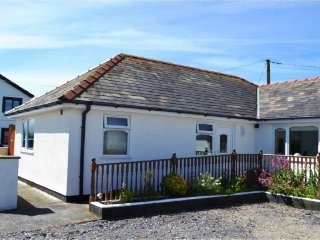 See Breeze Bungalow at Dinas Dinlle - 5-mins walk to the Beach - Dinas Dinlle vacation rentals