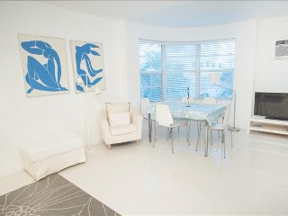 Best Deal! Modern Beachfront 2 Bedroom. Book Now! 1TT2CH - Miami Beach vacation rentals