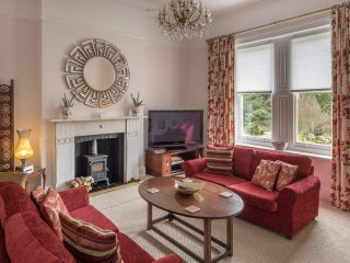 Luxurious Park Side Apartment - The Carisbrooke - Ventnor vacation rentals