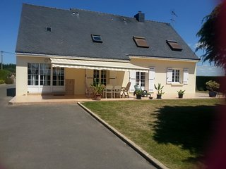 Apartment - 10 km from the beach - Saint-Lyphard vacation rentals