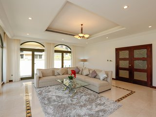Perfect Condo with Internet Access and A/C - Palm Jumeirah vacation rentals