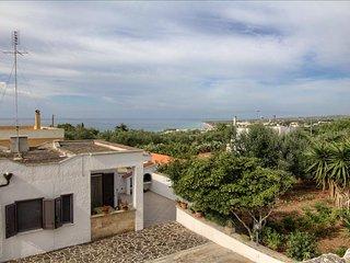 Villetta Ortolana - a poca distanza dalla spiaggia - Torre Vado vacation rentals