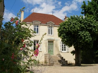 Stlyish 3 bedroom, 3 bathroom house/gite 5 mins from Beaune for holiday rental - Bligny-lès-Beaune vacation rentals