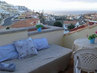 Gran Canaria: Roof-terrace - sunny, great view - Arguineguin vacation rentals