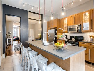Large Charming 4BR Rowhome in the Heart of South Philly! - Philadelphia vacation rentals