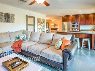 Lakeside Home Close to everything! 10 Min to Old Town - Tempe vacation rentals