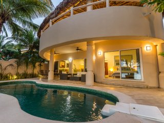 Moonstar - Beautiful 5 bedroom Soliman Bay Villa Rental - Soliman Bay vacation rentals