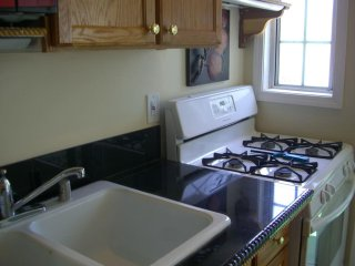 Cozy Home in the Heartland of Woodland Hills - Woodland vacation rentals