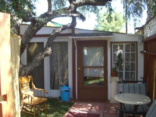 Cabin/Guest House Furnished in Woodland Hills - Woodland vacation rentals