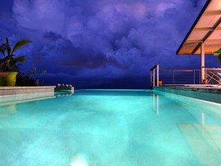 Villa Vini Moana - jacuzzi, piscine & vue mer - hauteurs de Tahiti-  8 pers - Faaa vacation rentals