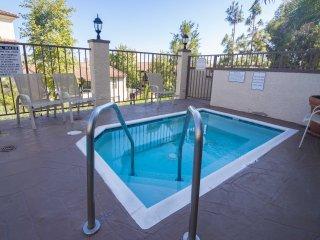 Luxury 2 bd 2 bath next to UCLA&Westwood_122 - Los Angeles vacation rentals