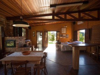 Nice Cottage with Internet Access and A/C - Farroupilha vacation rentals