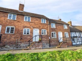 48 WYRE HILL, Grade II listed, two bedrooms, lawned garden, in Bewdley, Ref - Bewdley vacation rentals