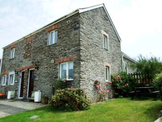 Nice 2 bedroom Saint Issey Cottage with Television - Saint Issey vacation rentals