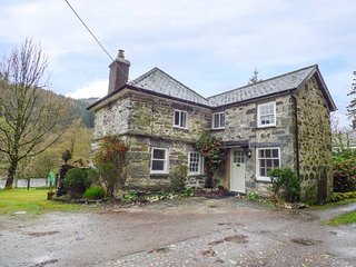 BEAVER GROVE COTTAGE detached cottage, riverside location, close to amenities - Betws-y-Coed vacation rentals