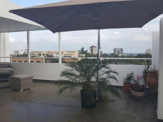 OCEAN VIEWS  + PRIVATE ROOFTOP WITH YOUR OWN BBQ + 24HRS SECURITY + LOCATION - Santo Domingo vacation rentals