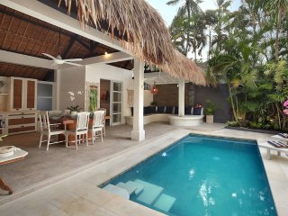 2 BEDROOM LUXURY BALI VILLA - SLEEPS 5 - SALT WATER POOL - CENTRAL SEMINYAK - Seminyak vacation rentals