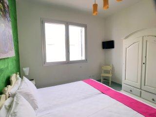 Appartamento 4 Colonne, Vista Mare, 2 camere, 6 pax, S. Maria al Bagno - Santa Maria al Bagno vacation rentals