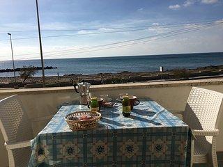 Appartamenti Elvira fronte spiaggia - Torre Mozza vacation rentals