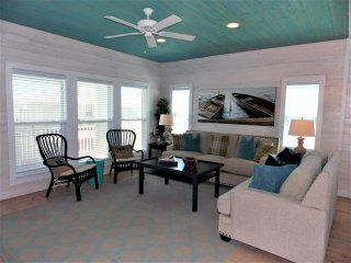 Brew Lagoon, 5 bedrm home at Village Walk with private pool and gulf views! - Port Aransas vacation rentals