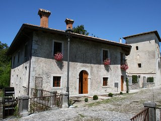 Lovely rice mill with garden in castle complex near to seaside and Venice - Strassoldo vacation rentals