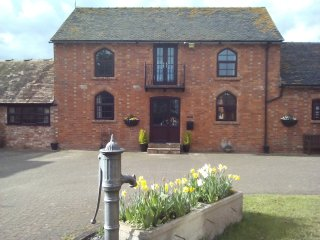 The Granary, Napton Fields Holiday Cottages - Southam vacation rentals