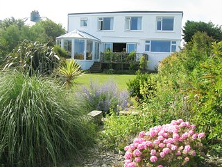 Picturesque cottage in Crantock, stunning seaviews, 5mins to beach - Crantock vacation rentals