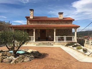 Cozy 3 bedroom House in A Estrada - A Estrada vacation rentals