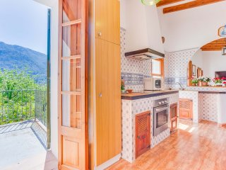 Nice House with Washing Machine and Television - Biniaraix vacation rentals