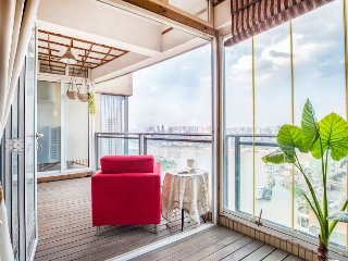 JieFangBei HongYaDong Charming & Grand Riverview Suite with 3 bedrooms - Chongqing vacation rentals