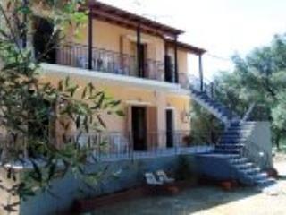 Hillside house apartment, 4-6p, close to beach - Paleokastritsa vacation rentals