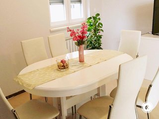 Cozy two bedroom apartment with parking included - Pula vacation rentals
