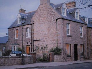 Heart of Dornoch Highlands house by cathedral near shops and golf - Dornoch vacation rentals