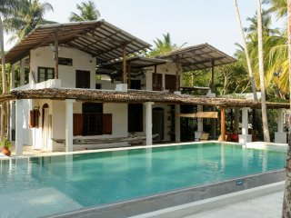 Deep Blue Sri Lanka Rentals: Colonial Villa Seafront - Matara vacation rentals