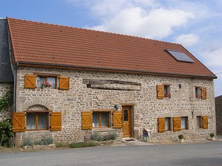 En Creuse, chambre et table d'Hôtes pour 4 adultes et 1 bébé - Bonnat vacation rentals