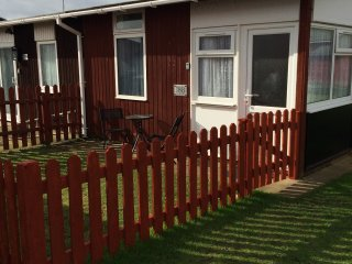 Coastal Gem, South Shore Holiday Village-cute cosy chalet sleeps 3-Dog friendly - Bridlington vacation rentals