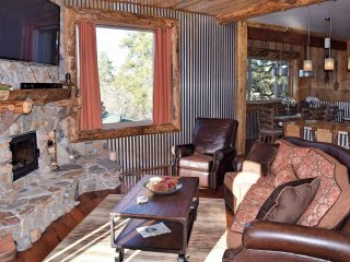 Comfortable 4 bedroom Cabin in Big Bear City - Big Bear City vacation rentals