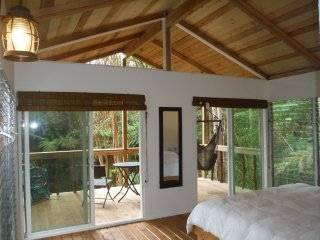 Nice 1 bedroom Tree house in Mountain View - Mountain View vacation rentals