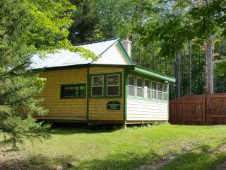 1 bedroom Bungalow with Internet Access in Gorham - Gorham vacation rentals